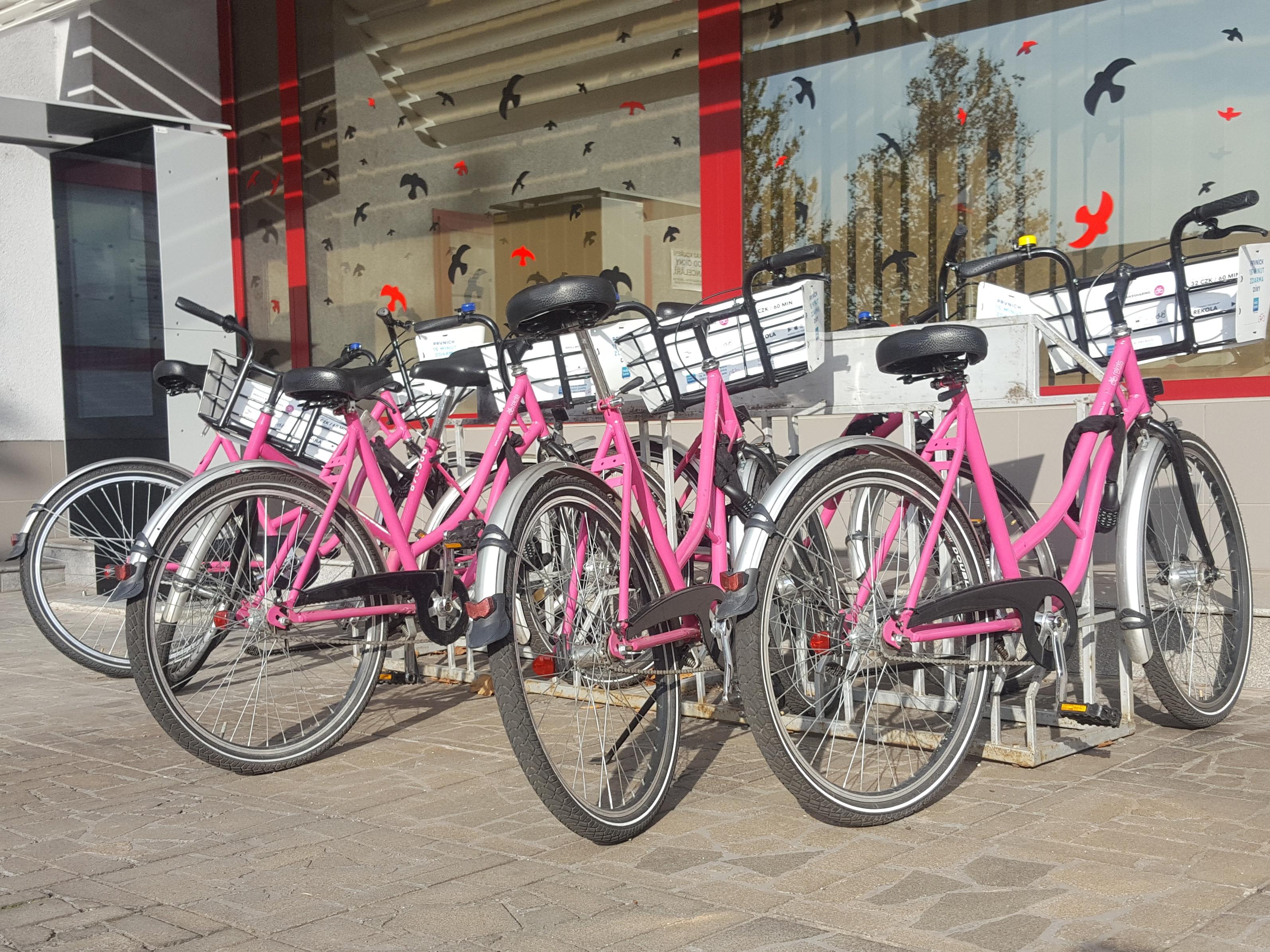 Městským cyklistům se blýská na lepší časy, MŽP zainvestuje do bikesharingu