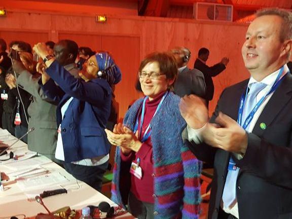 Komentář ministra Brabce k přijetí nové klimatické smlouvy na COP21 v Paříži