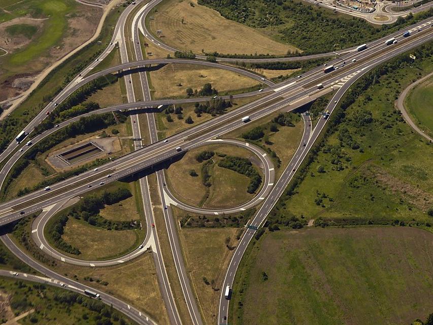 10 milionů mohou obce a města využít na studie proveditelnosti pro zavedení nízkoemisních zón