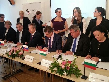 V Lednici se setkali ministři životního prostředí zemí V4, Rumunska a Bulharska. Projednali ochranu přírody, odpadové hospodářství a problémy spojené se suchem