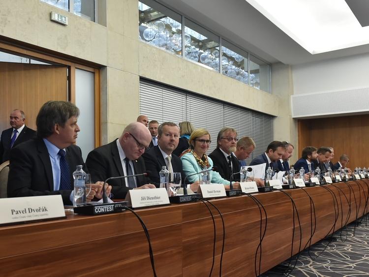 Ministři ČR a SR dnes probrali problematiku sucha a ratifikaci klimatické dohody z Paříže