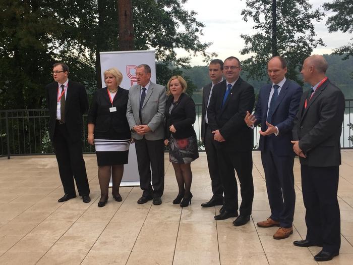 Ministři životního prostředí zemí V4, Bulharska, Rumunska a Ukrajiny podepsali v Polsku společné prohlášení ke změně klimatu a biodiverzitě