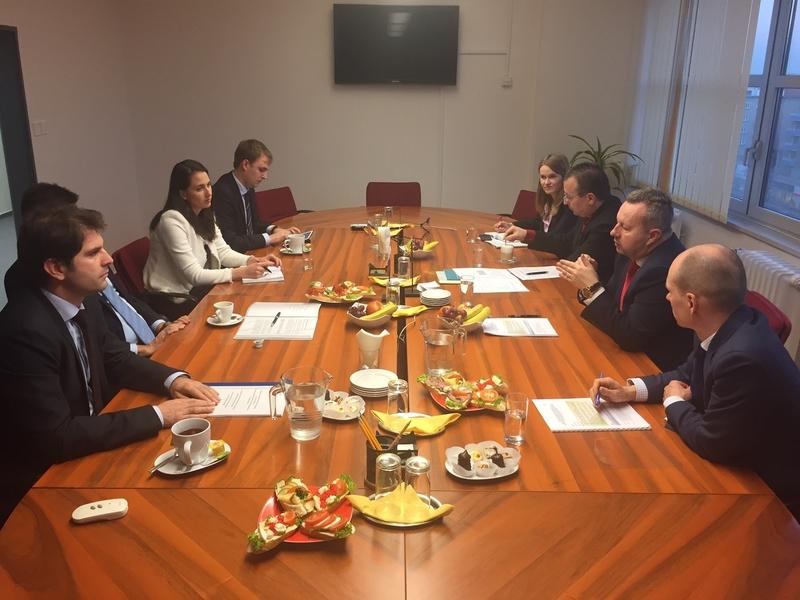 Setkáním ministrů životního prostředí České a Slovenské republiky zahajují oba resorty aktivnější spolupráci