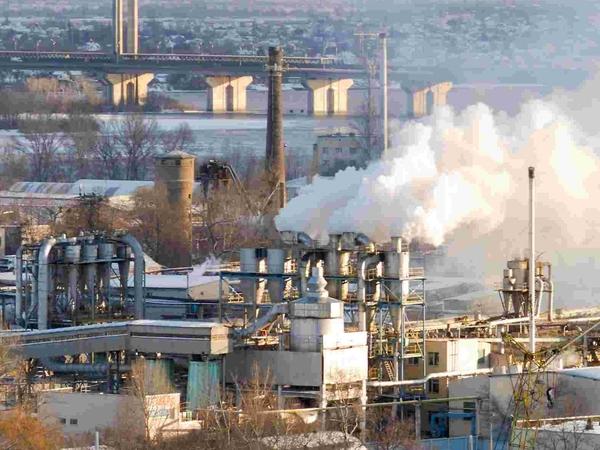 Dalších 60 milionů na snižování zápachu a emisí těžkých kovů