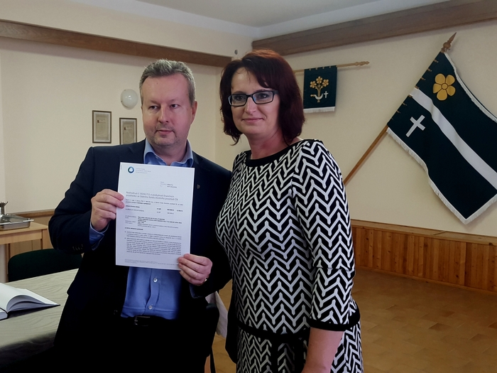 Ministr Brabec dnes stvrdil poskytnutí dotací na nové domovní ČOV a nové vrty 6 obcím