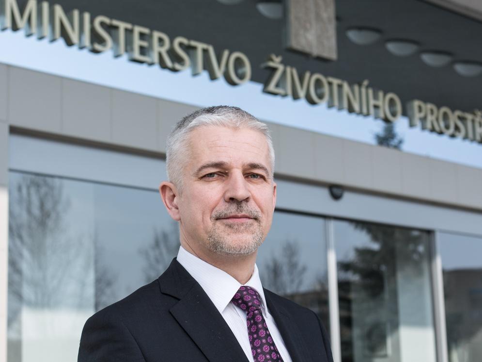 Reakce náměstka pro řízení sekce státní správy MŽP Vladimíra Many (ČSSD) k mediálním (dez)informacím o výkonu státní správy v případech Precheza, Navos a KMOTR
