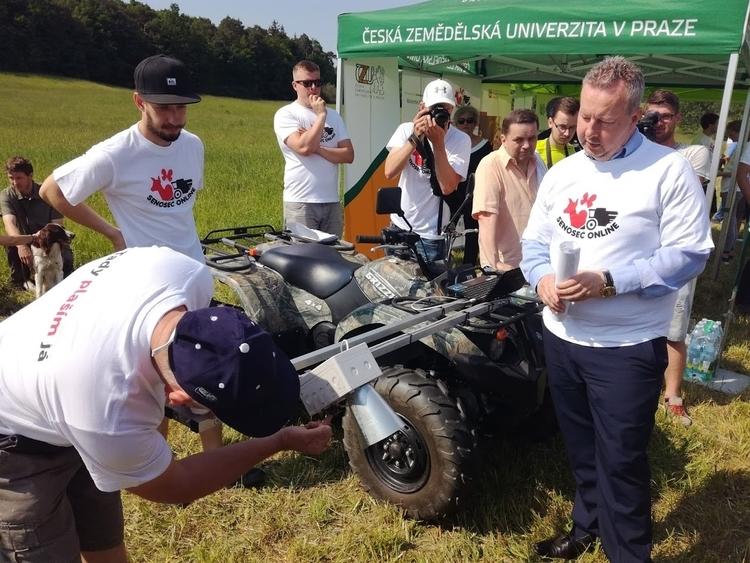 """Senoseče 2017 končí: Soutěž o """"lajky"""" pro nejaktivnější dobrovolníky zná své vítěze"""