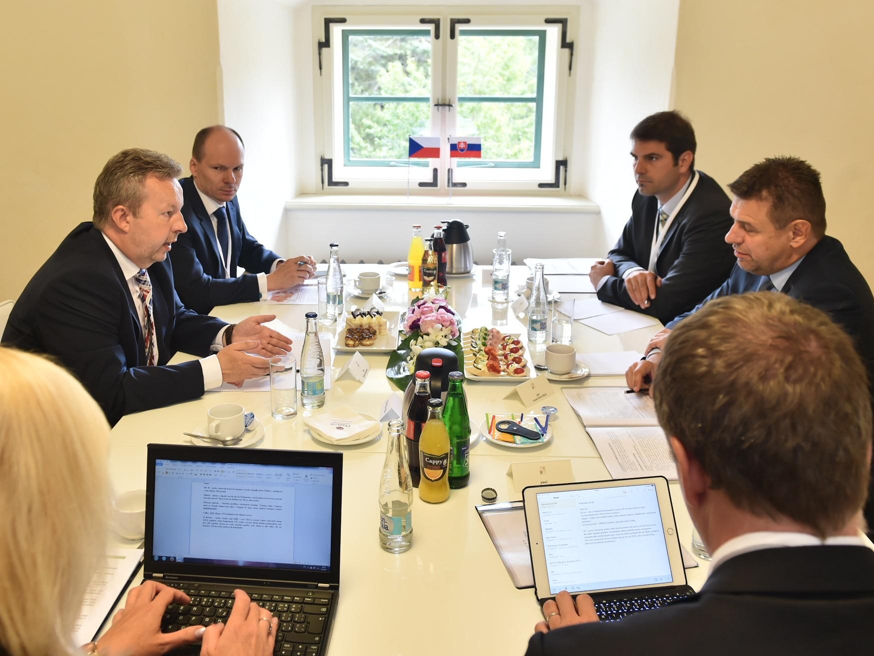 Sucho, změna klimatu a odpady - hlavní témata ministrů životního prostředí ČR a SR