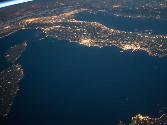 Tma jako ohrožený druh: Hodina Země upozorňuje i na nutnost omezit světelné znečištění