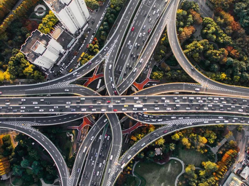 Evropská osmadvacítka se dohodla na společné pozici k návrhu snižování emisí CO2 z osobních aut a lehkých užitkových vozidel