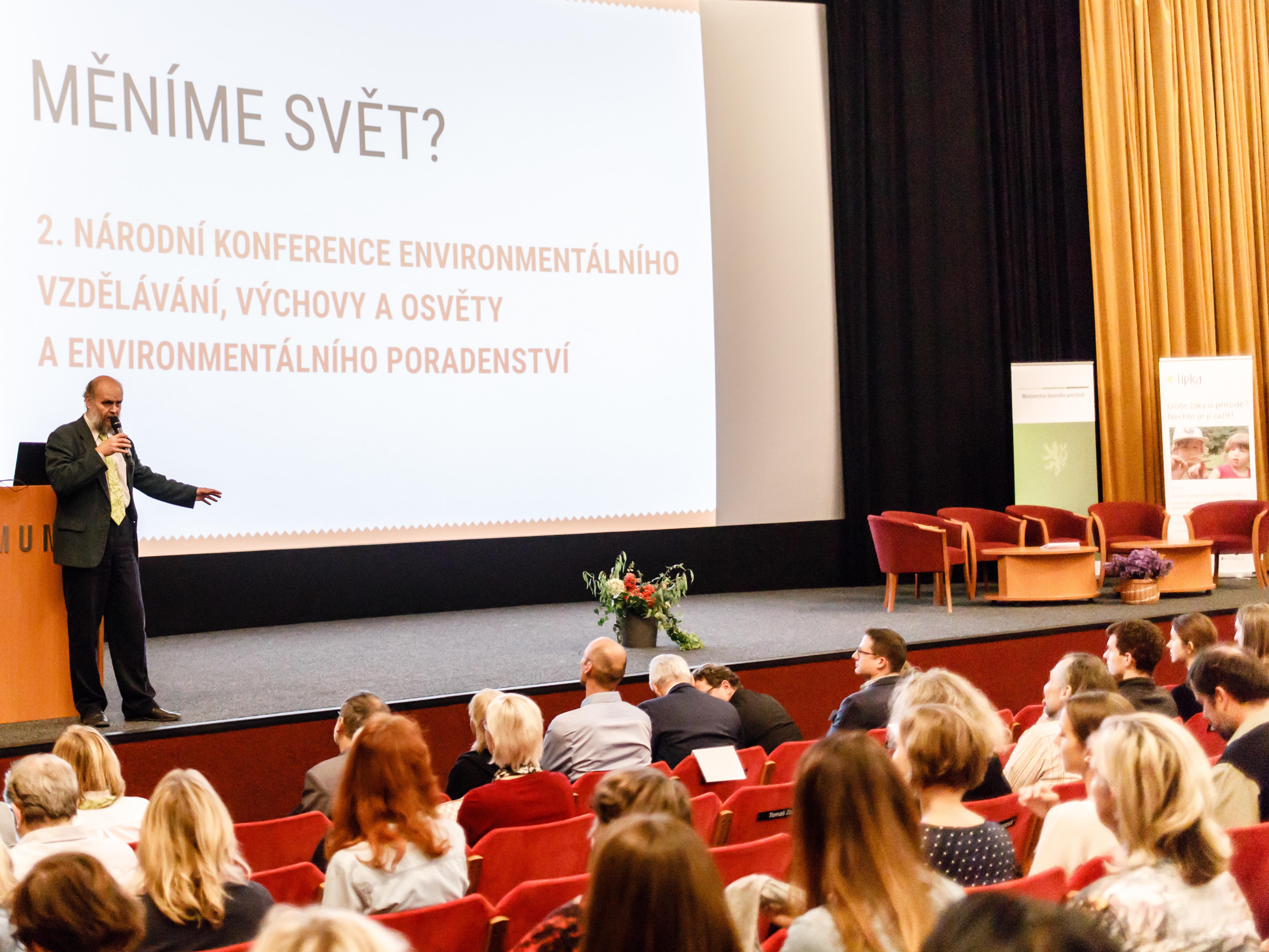 I dospělí mohou změnit své návyky ve prospěch životního prostředí, shodli se účastníci konference pro envivzdělávání