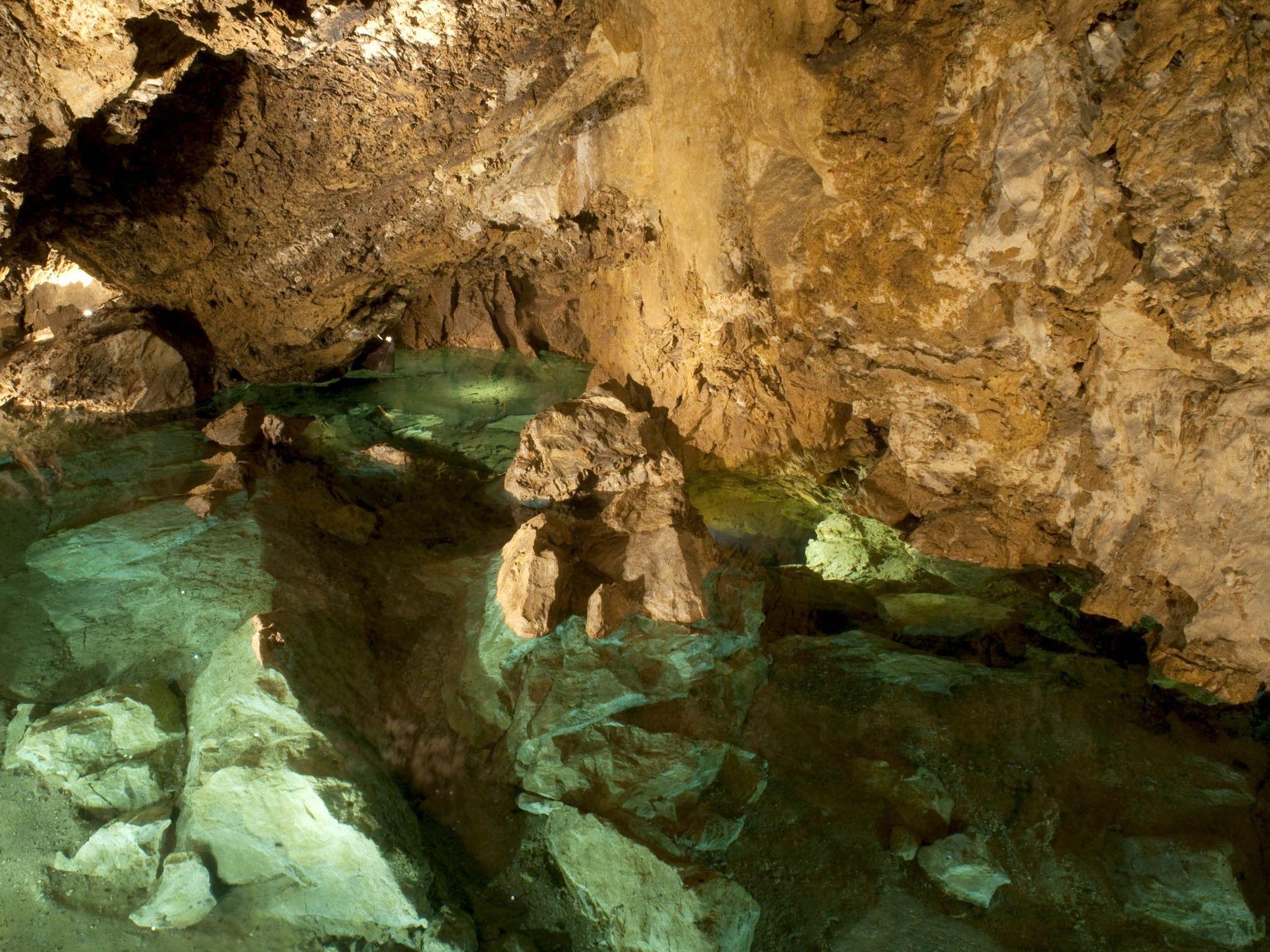Díky nové technologii jeskyňáři mapují ve 3D i zatopené podzemní prostory