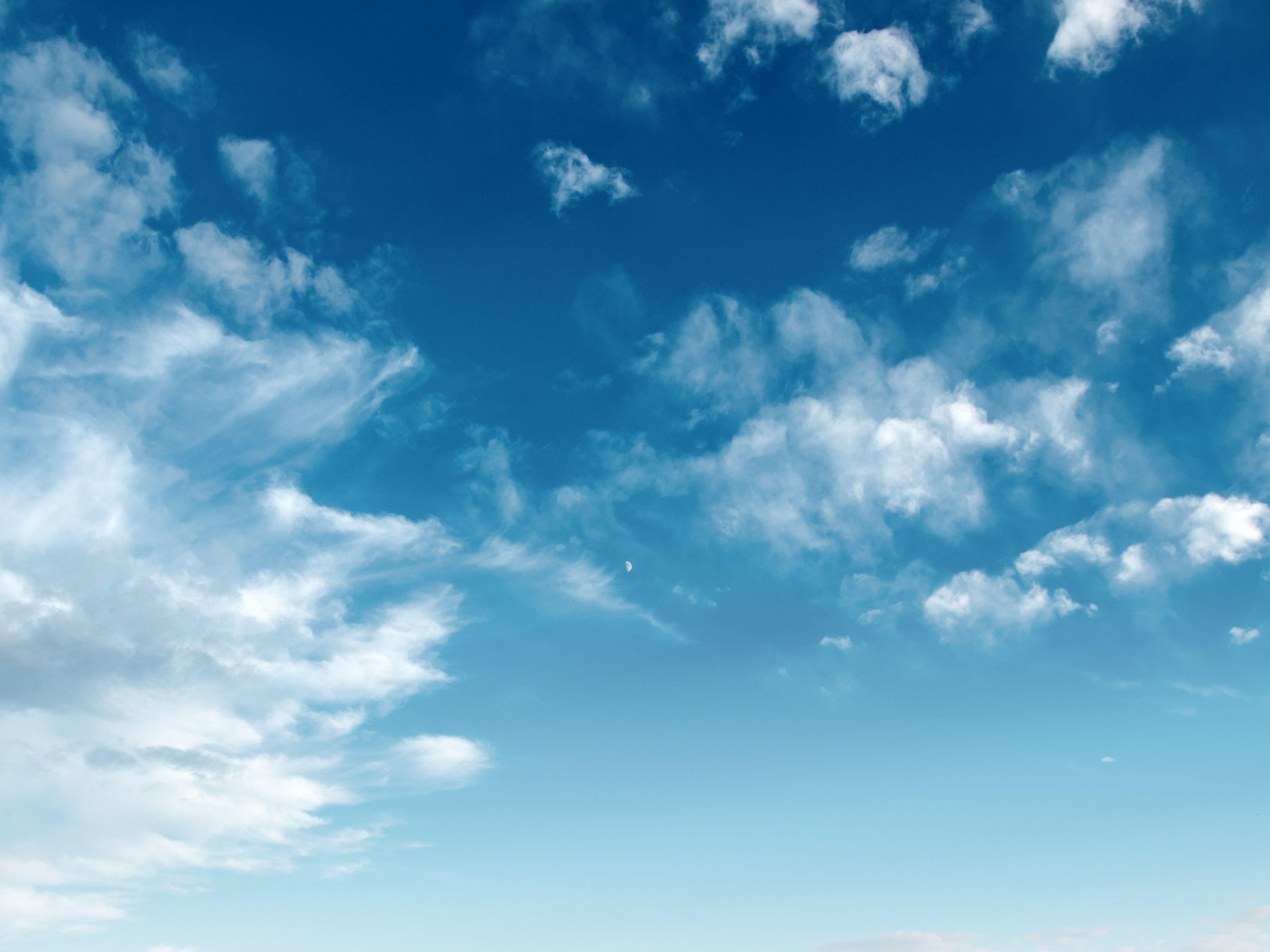 Kvalitu ovzduší v ČR ovlivňují domácí a zahraniční zdroje půl na půl
