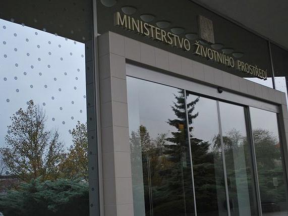 Reakce MŽP k dotazům na informační embargo v případě havárie na řece Bečvě