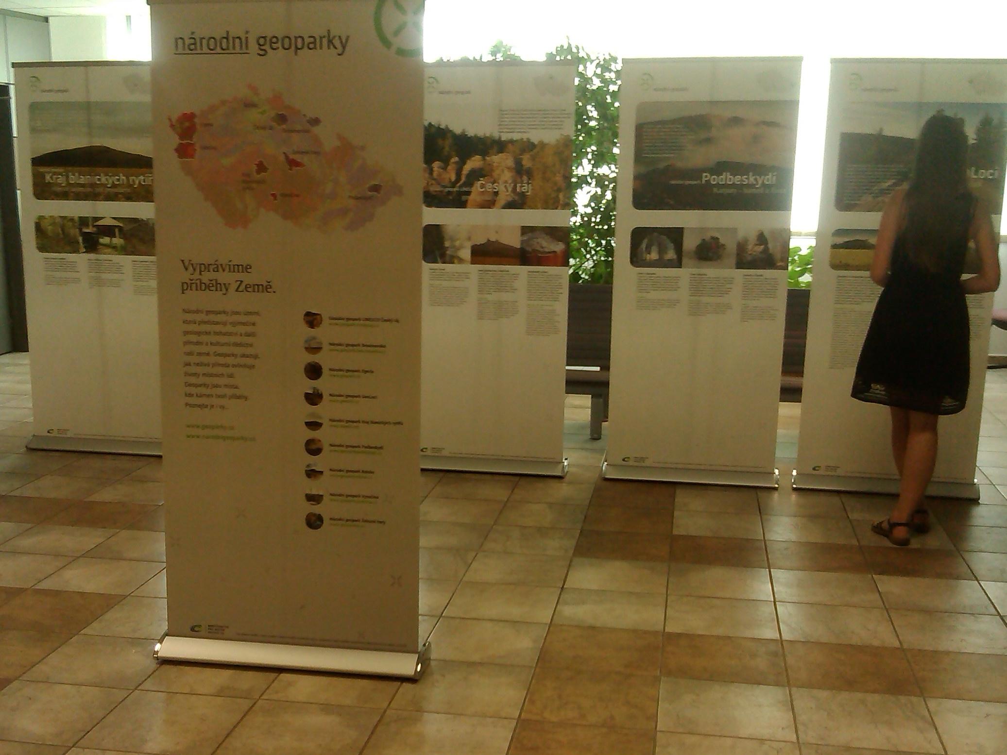 České geoparky mají novou výstavu a ČR svou zástupkyni v Radě globálních geoparků UNESCO