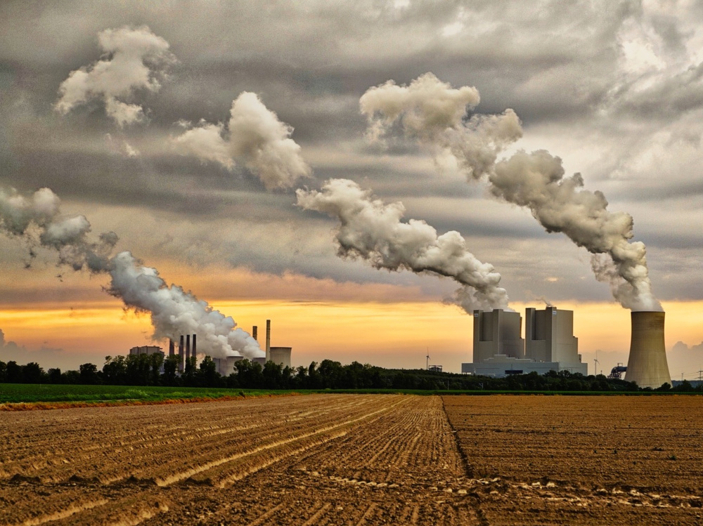 Vláda schválila novelu zákona o obchodování s emisními povolenkami