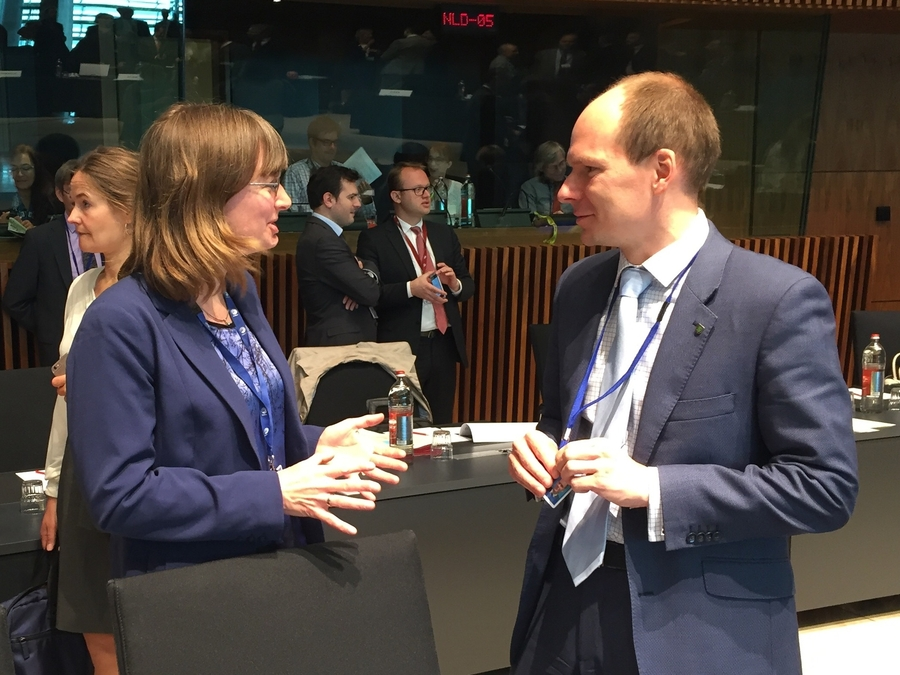 EU environment ministers discussed in Luxembourg the reduction of emissions, the circular economy and the fight against illegal trade in endangered species