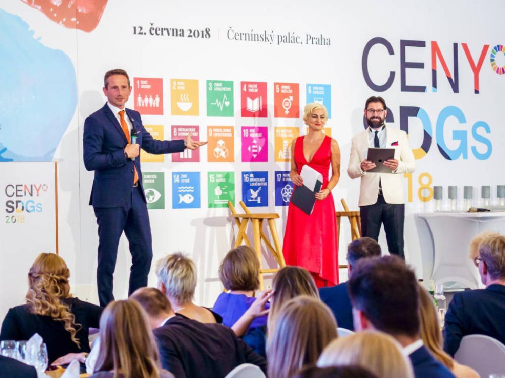 Ceny SDGs předal vítězům ministr financí Dánského království Kristian Jensen